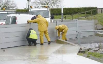 Batardeaux installés quai L'Herminier, par mesure de précaution